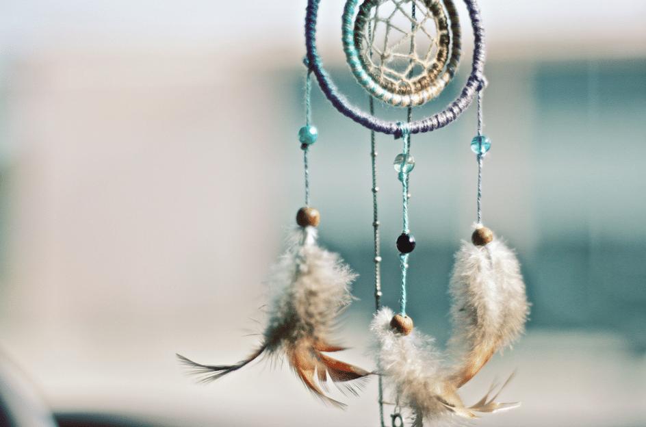 Waarom zichtbaar worden met je praktijk eng en magisch tegelijk is